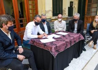 Museo Estevez: firma del Acta de Donación
